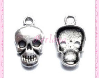 Set of 15 REF036X3 silver skull charms