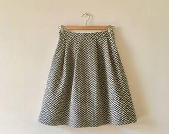 4 skirt folds in jacquard