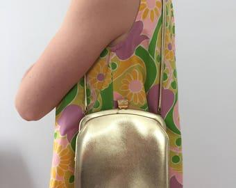 Vintage 1970's Saks Fifth Avenue Purse / 70's Gold Bag / Saks Fifth Avenue Clasp Bag / Diamond Clasp Bag