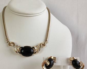 Crown Trifari Mid-Century Black Cabochon Rhinestones Gold Tone Bib Choker Necklace and Clip Earrings Alfred Philippe