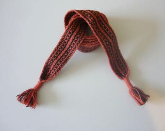 hand woven belt, wool, 67,3 inch long and 1,5 inch wide.