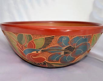Large ceramic bowl, etched by hand, with a floral design