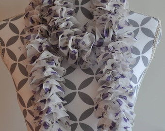 Scarf knitted in Katia Tutu purple fabric