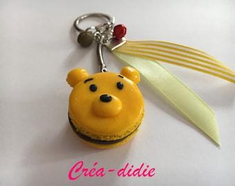 Winnie macaroon keychain