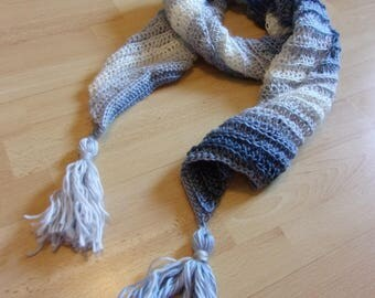 Scarf in shades of blue crochet with tassel fringes
