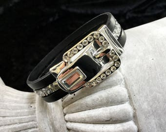 Bracelet with a jewel rhinestone black leather and silver glitter leather buckle