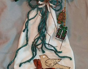 Muslin Hanging Angel With Green Wings