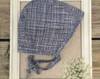 Black and White Linen-like Bonnet / Cotton Baby Bonnet / Baby Hat / Baby Bonnet / Gender Neutral Bonnet / Brimless Baby Bonnet