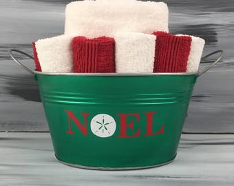 Green Bathroom Wash Cloth and Hand Towel Holder with Christmas NOEL Sand Dollar Vinyl