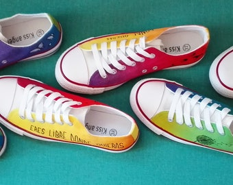 Zapatillas4colores - free you are wherever you want. Painted by hand, design #pintoenropa original. Customizable.