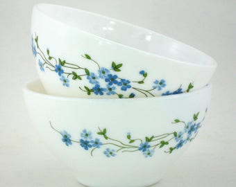 2 vintage Veronica Arcopal bowls