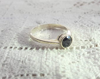 Midnight Blue Sapphire Sterling Silver Ring/Solitaire Sapphire/Vintage/Free Shipping US/September Birthstone/Christmas/Valentine/Birthday