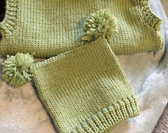 Green Sleeveless Jumper with Hat 0/3 months