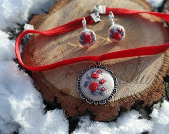 Embroidered red rose choker set Wife red jewelry Embroidery jewelry Eco pendant Red boho gift Botanical necklace Flower wife jewelry Floral