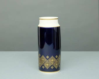 Weimar Porcelain vase Tini 770 genuine cobalt with gold scenery made in GDR