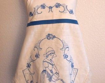 "Apron Hand Embroidered ""gardener"""