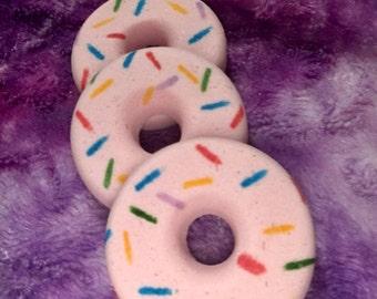 Berry Yummy bath bomb Donuts