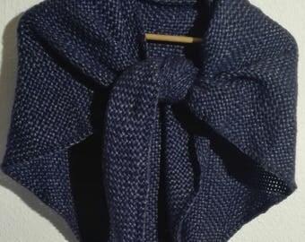 Woven triangle Cloth