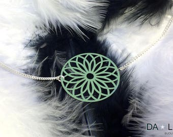 "Necklace ""Rosace"" green-grey color"