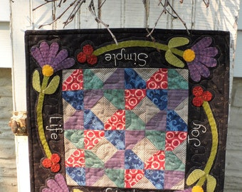 Snugg-let Simple Life Wool Applique Table Topper Quilt Pattern