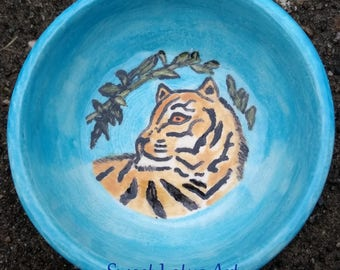 Tiger Pet Dish