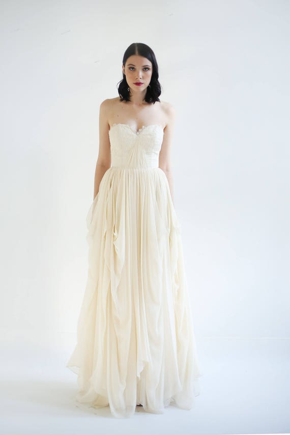 Sample Sale - Lace Embellished Strapless Sweetheart Wedding gown - Brigitte