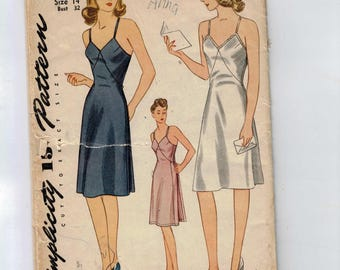 1940s Vintage Sewing Pattern Simplicity 4627 Misses Full Slip Lingerie Size 14 Bust 32 40s 40s