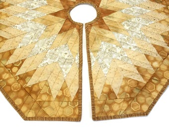 Small Gold Quilted Christmas Tree Skirt - 30 inch Diameter Diamonds All Around Quilt in Gold and White, Quiltsy Handmade Patchwork,