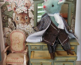 "Mouse Doll - ""Mr.  Ezra Flank"" - 5-6"" Tall - 1:12 Dollhouse Scale Fancy Rat Art Doll"