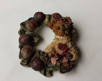 Boyds Bear, Full of Hearts, Resin Pin Brooch, Bear Surrounded by Hearts