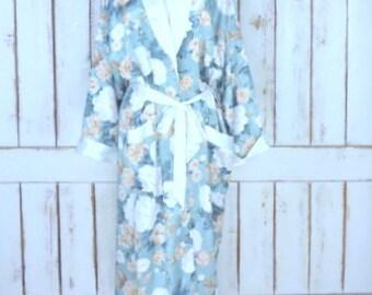 Vintage silky floral peignoir dressing gown/green/ivory floral lingerie/long belted lightweight robe/bridal robe/large