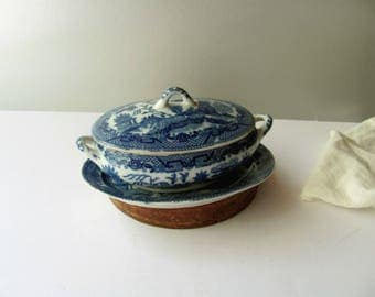 """Vintage Blue Willow Soup Tureen Casserole Blue Willow China Toy Dish Japan Child Dish Play Set Blue Soup 6"""" Doll Dishes Play House Kitchen"""