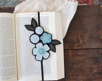BIRTHDAY SALE Flower Bookmark - Reader Gift - Best Friend Gift - Teacher Gift - Teacher Appreciation Gift - Bookclub Gift - Unique Bookmark