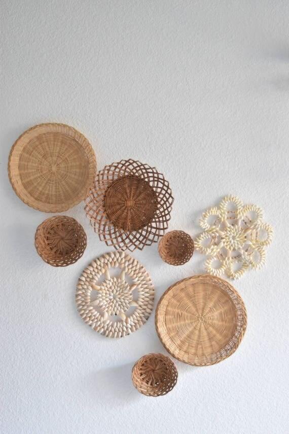 set of 8 woven wicker rattan seashell trivets wall hanging baskets