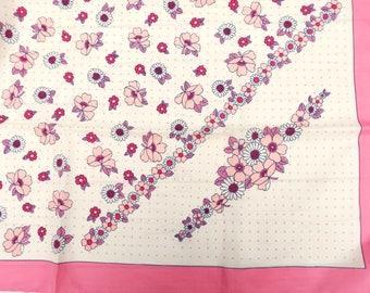 Vintage Daisy Scarf - Vintage Pink Scarf - Vintage Floral Scarf - Rockabilly Scarf - Vintage Square Scarf - Vintage Headscarf