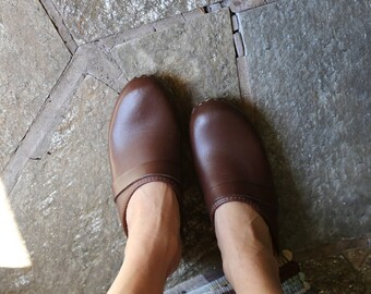 Vintage Wooden Clogs // Brown Leather Shoes // Womens 6 / 37