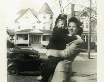 "Vintage Photo ""The Working Mother"" Snapshot Antique Black & White Photograph Found Paper Ephemera Vernacular Interior Design Mood - 23"