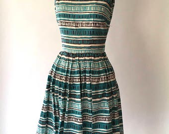 vintage 1950s dress / 50s cotton print tie shoulder full skirt dress / size xs extra small