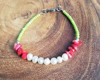 Freshwater Pearl and Shell Bracelet with Lime Green Beads