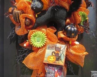 Annalee Black Cat Halloween Wreath, Lighted Halloween Mesh Wreath, Black Cat Wreath, Halloween Front Door Wreath, Lighted Halloween Wreath