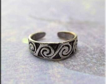 Sterling Silver Spiral Toe Ring, Celtic Wave Design - SPC001X