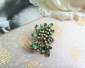Vintage Green Brooch - Vintage Green Rhinestone Brooch - Rhinestone Brooch - 1950s Brooch - Gift for Her - Vintage Brooch - Vintage - Green