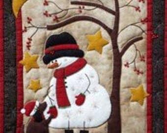 SALE PRICE: Miniature Rachel of Greenfield Quilt Kit - Frosty & Friend 13in X 15in - Free UK Postage.