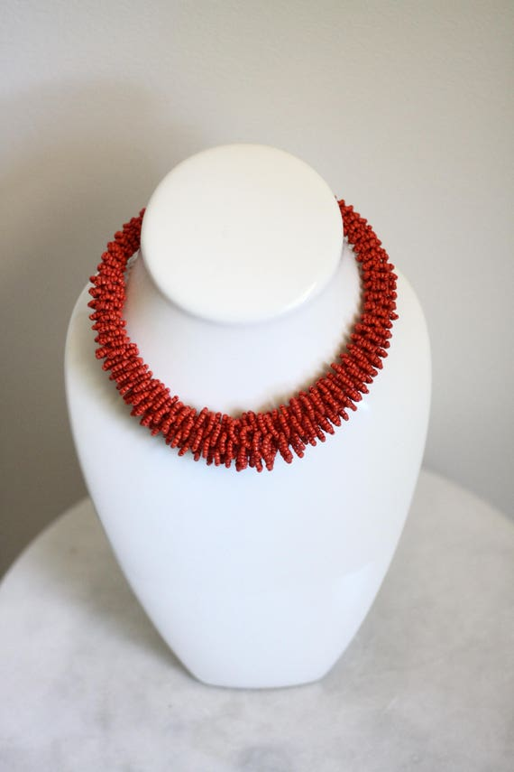 1970s red beaded necklace // 1970s statement necklace // vintage jewlery