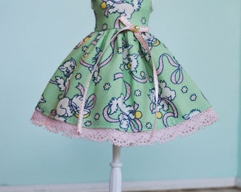 Handmade Blythe Doll Dress - Playful Kitten with Pink Ribbon
