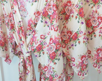Ivory Bridesmaid Robe, Floral Bridal Robe, Floral Kimono Robe, Bridesmaid Gift, Bridal Shower Gift, Bridal Party Robes, Getting Ready Robe