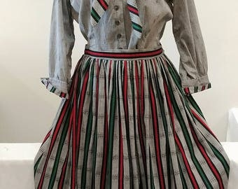 """1950's Vintage Autumnal Grey with Red Black & Green Stripes w/ Small Print of Woman Woven into Cotton Blouse and Full Skirt Set 29"""" waist"""