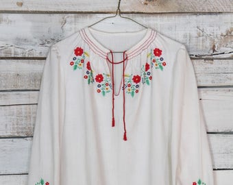 Vintage Embroidered Bohemian Hungarian Peasant Blouse