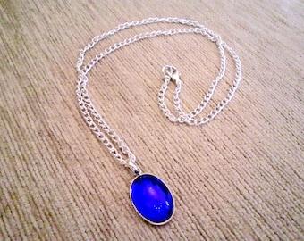 Amulett Pendant Necklace Saphire Blue Oval Glass Silver