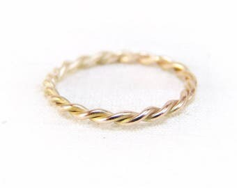 twisted ring in 585/rosy gold